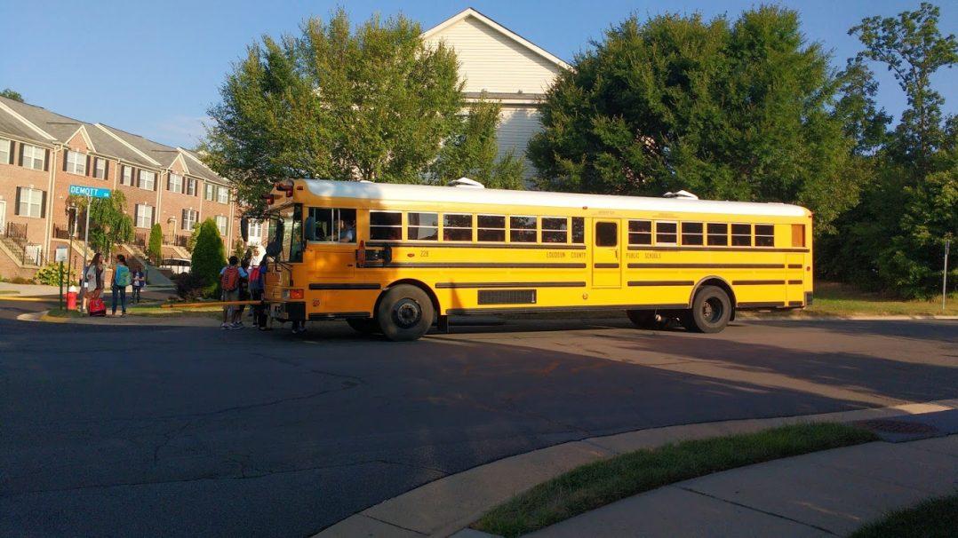 шкільний автобус США
